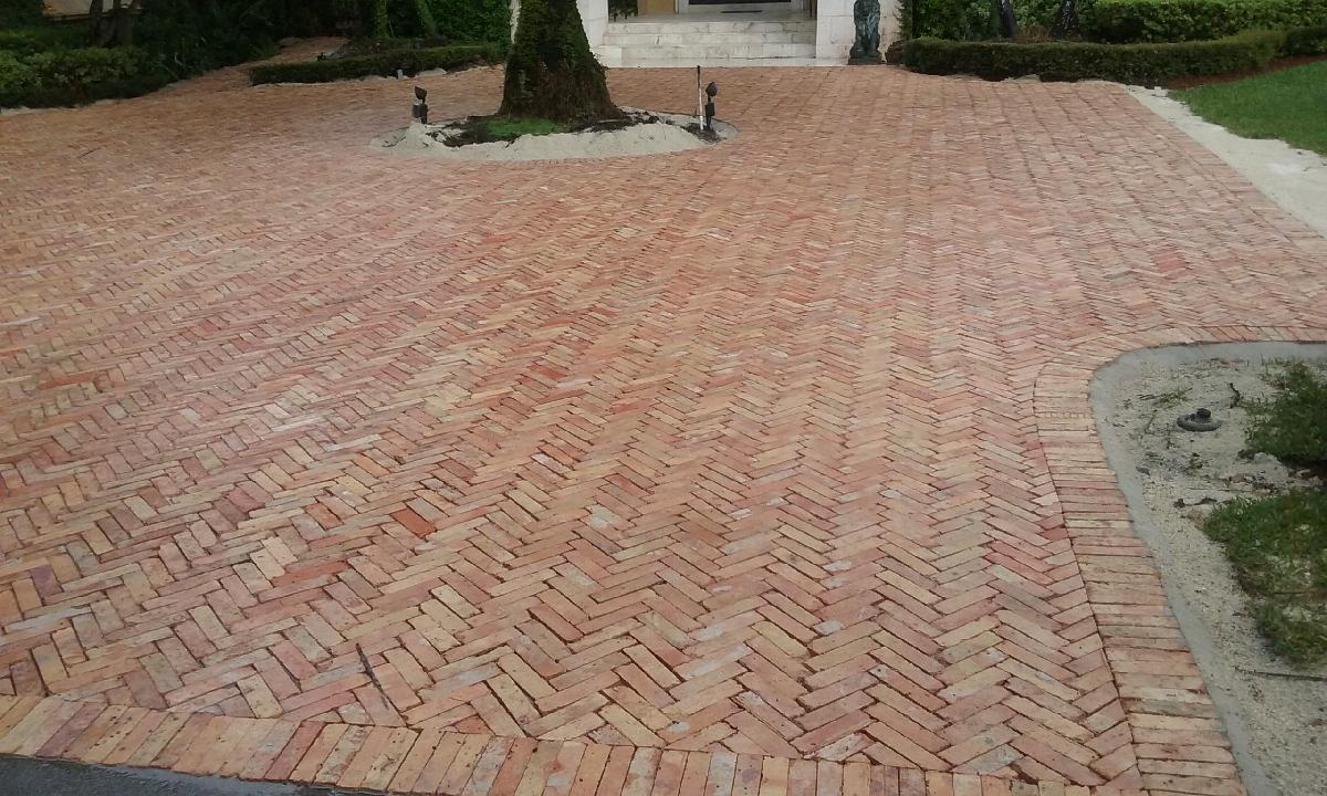 Queen Chicago Pavers