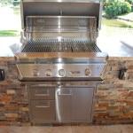 Outdoor Kitchen - Delta Heat Grill