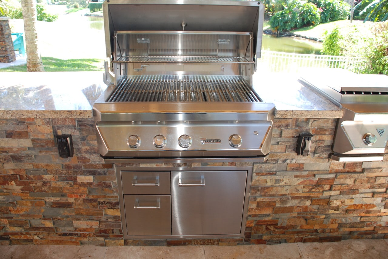 Outdoor kitchens brick america for Outdoor kitchen without grill